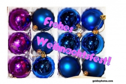 Weihnachtskarte Weihnachtskugeln blau lila